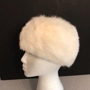 Vintage white rabbit fur pillbox style ladies hat